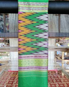 "Rakphathor.Nan on Instagram: ""#ผ้าทอลายน้ำไหลพร้อมส่ง 1,800 บาทเจ้า (สามารถสั่งทอเพิ่มได้เจ้า จะสวยเดี่ยวๆหรือสวยเป็นทีมจัดให้ได้เจ้า)#ผ้าทอลายน้ำไหล…"" Siamese, Traditional, Rugs, Home Decor, Farmhouse Rugs, Decoration Home, Room Decor, Floor Rugs, Rug"