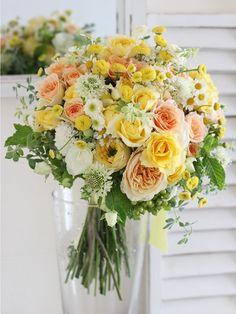 kukkaのウエディングフラワーブック-クラッチブーケ,黄色,野の花