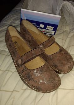 16ddabbc446 New White Mountain Size 9.5 US Women s Shoes Brown Leather - NIB