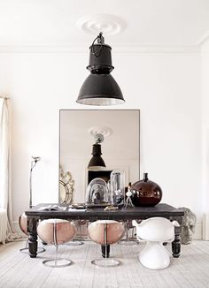 The way to bring romance into your daily life is to get the right light. Figure how you can incorporate the right mid-century floor lamp into one of the most iconic days of romance in your home interior decor! | http://modernfloorlamps.net/ | modern floor lamps mid century lighting modern home design