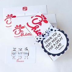 Teacher appreciation week is coming up. This is one of our favorites. Everyone loves a Chickfila gift card!  #pigskinsandpigtails #teacherappreciation #printabledesign #chickfila