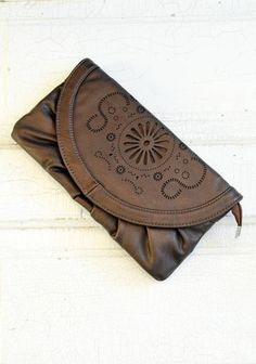 Woodstock Clutch – StitchBee