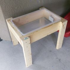 Water Table Diy, Sand And Water Table, Backyard For Kids, Diy For Kids, Kids Craft Tables, Kids Sand Table, Toddler Table, Toddler Toys, Diy Bebe