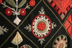 Kuvahaun tulos haulle rekipeitto Scandinavian Embroidery, Swedish Embroidery, Crewel Embroidery, Embroidery Patterns, Machine Embroidery, Textiles, Textile Patterns, Magic Circle Crochet, Stitches