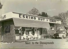The Eskimo Hut, Bulawayo - as we knew it! Green mambas, pink panthers, the vanilla icecream dipped in chocolate then rolled in honeycomb. Zimbabwe History, African Holidays, South Africa, Pink Panthers, Heartland, Homeland, Icecream, Honeycomb, Family History