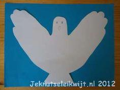 een duif van je handomtrek. Een witte duif wordt ook gebruikt als symbool voor de vrede, een vredesduif.