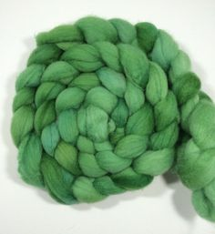 Hand dyed roving 100% super fine merino top. by FlockandNeedle
