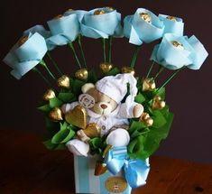 Candy Bouquet Diy, Bouquet Box, Gift Bouquet, Chocolate Wrapping, Chocolate Gifts, Chocolate Box, Chocolate Basket, Candy Flowers, Paper Flowers