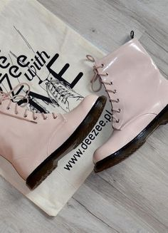 Kup mój przedmiot na #Vinted http://www.vinted.pl/damskie-obuwie/botki/9288343-botki-martenns-style-beige-worker-boots-deezee-r3940