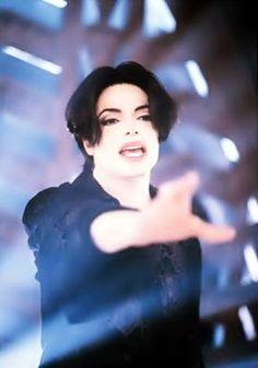 michael jackson you are not alone | Os finalistas do programa X-Factor de 2009, gravaram uma versão cover ...