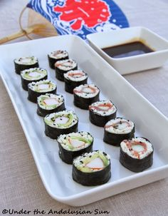 sushi, or as we like to call it: miracle sushi (seeing how it's gluten- AND carb-free!)Cauliflower sushi, or as we like to call it: miracle sushi (seeing how it's gluten- AND carb-free! Low Carb Sushi, Low Carb Diet, Ketogenic Recipes, Low Carb Recipes, Paleo Recipes, Asian Recipes, Ketogenic Diet, Yummy Recipes, Keto Dinner