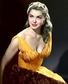 Esther Williams, beautiful, great actress and swimmer.