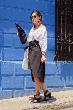 De la moda y otros demonios.: Vestir local, mostrar local, comprar local.