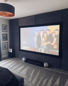 Cinema Room Decor Ideas On Any Budget - Ideas & Inspo Home Theater Room Design, Home Cinema Room, At Home Movie Theater, Home Theater Rooms, Movie Themed Rooms, Movie Rooms, Theatre Style Seating, Upholstered Wall Panels, Open Plan Kitchen Living Room