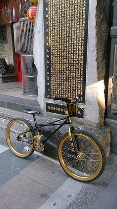 Gold Bmx Bike, Bmx Bicycle, Bike Handlebars, Mtb Bike, Recumbent Bicycle, 24 Bmx, Bmx Pro, Vintage Bmx Bikes, Bmx Cruiser