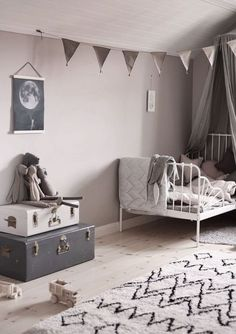 39 Red Home Decor Ideas To Update Your Living Room - Home Decoration - Interior Design Ideas Baby Bedroom, Girls Bedroom, Nursery Decor, Room Decor, Kids Room Design, Deco Design, Little Girl Rooms, Kid Spaces, Kids Decor