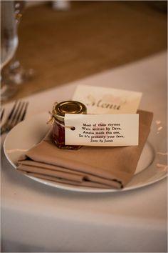 jelly wedding favor | DIY wedding favor | barn wedding ideas | peach wedding | #weddingchicks