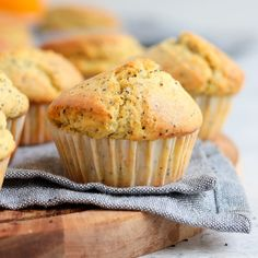These Orange and Poppy Seed Muffins are a great make-ahead breakfast, morning or afternoon tea treat or sweet snack to enjoy all day long. The super quick and easy orange muffins with poppy seeds also make a great lunchbox dessert for kids! Ready in less than 40 minutes, these super moist poppy seed muffins with orange juice, orange zest and greek yogurt are a truly delicious sweet treat both adults and kids will love! Lemon Raspberry Muffins, Orange Muffins, Raspberry Mousse, Lemon Meringue Cake, Custard Cake, Custard Filling, Sweet Crepes Recipe, Chocolate Pastry, Chocolate Cherry