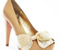 peep toe & a bow