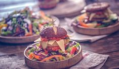 Proteine vegetali: l'elenco di tutte le verdure più altamente proteiche Detox Tips, Detox Recipes, Detox Week, Detox Your Body, Detox Drinks, How To Stay Healthy, Hamburger, Ethnic Recipes, Food