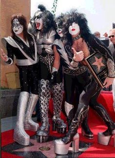 Kiss band members, from left, Ace Frehley, Gene Simmons, Peter Criss and Paul Stanley take the cere. Kiss Band, Kiss Rock Bands, Kiss Images, Kiss Pictures, Hollywood Walk Of Fame, Kiss Costume, Gene Simmons Kiss, Ed Vedder, Detroit Rock City