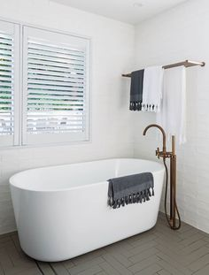 Good Looking Bathrooms Have You Picked Up Homee By Darren Palmer Yet Some Of Our Amazing Tiles