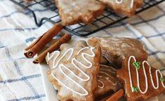 Mój sprawdzony przepis na miękkie pierniczki. Pierniczki są szybkie do zrobienia i wychodzą super puchate. To świetne świąteczne pierniczki, które uwielbiają dzieci. Zapraszam po prosty przepis na pierniczki. Biscuits, Deserts, Cookies, Baking, Recipes, Yum Yum, Food, Crack Crackers, Crack Crackers
