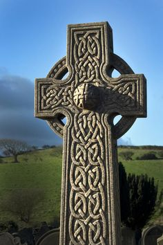celtic coss | embed celtic cross 40 Awe Inspiring Pictures of Crosses