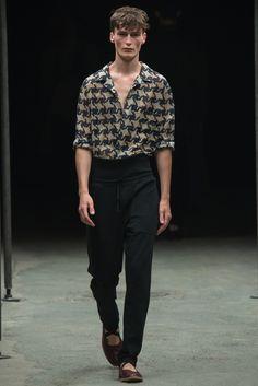 Dries Van Noten Spring 2015 Menswear Collection Photos - Vogue