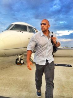 Dwayne Johnson getting out of plane