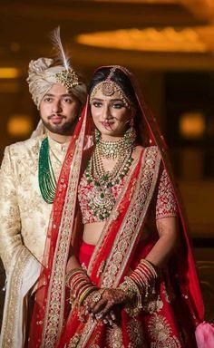 Sikh wedding Photography of Punjabi Sikh Couple. Indian Wedding Poses, Indian Wedding Couple Photography, Indian Bridal Outfits, Indian Bridal Wear, Sikh Wedding, Gothic Wedding, Wedding Dresses, Bollywood Wedding, Bridal Photoshoot