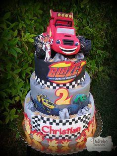 Torta Blaze -  Blaze cake Blaze Birthday Cake, Birthday Cakes For Men, Cars Birthday Parties, Birthday Cake Toppers, Boy Birthday, Torta Blaze, Blaze Cakes, Blaze And The Monster Machines Cake, Monster Truck Birthday