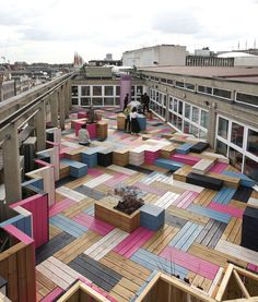Deck Design Ideas - This Rooftop Deck Received A Colorful Modern Makeover For Its Wood Bench Seating And Planters. The designers at Studio Weave were asked by the London College of Fashion to give new life to the forgotten rooftop. Architecture Design, Landscape Architecture, Landscape Design, Amazing Architecture, Bühnen Design, Deck Design, Rooftop Design, Urban Design, Modern Design