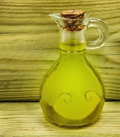 5 Reasons You Need Castor Oil In Your Medicine Cabinet