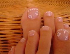 I would put a dark color behind it so the flowers would show. Sexy Nails, Cute Nails, Pretty Nails, Pretty Toes, French Manicure Toes, Manicure And Pedicure, Toe Nail Designs, Nail Polish Designs, Pedicure Designs