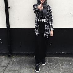 รูปภาพ hijab, alexandra golovkova, and hijab fashion Street Hijab Fashion, Tomboy Fashion, Skirt Fashion, Fashion Outfits, Modesty Fashion, Mod Fashion, Muslim Women Fashion, Arab Fashion, Casual Hijab Outfit
