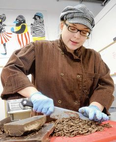 """world class chocolatier .at her shop in Chattanooga, """"The Hot Chocolatier """" She also sells online Truffles. Outdoor Magazine, World Class, Selling Online, Truffles, Fun Things, Make Me Smile, Trips, Inspire, Sugar"""