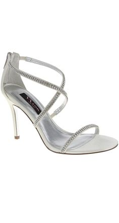 Simple yet elegant heels at a comfortable height.