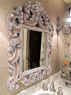 10-Magnificent-Bathroom-Mirrors-That-Will-Fascinate-You-9 10-Magnificent-Bathroom-Mirrors-That-Will-Fascinate-You-9