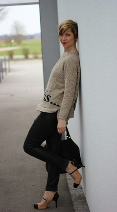 Leatherpants.... perfect with nude....