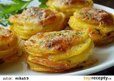 Bramborová chuťovka recept - TopRecepty.cz Time To Eat, Potato Dishes, Vegetable Recipes, Gnocchi, Baked Potato, Shrimp, Food And Drink, Appetizers, Pizza