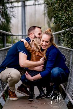 Boek een familie fotoshoot vanaf slechts €275 bij Evelien Hogers Fotografie. Ook in de Hortus Botanicus is het geweldig om mooie familiefoto's te maken Couple Photos, Couples, Couple Shots, Couple, Couple Pics