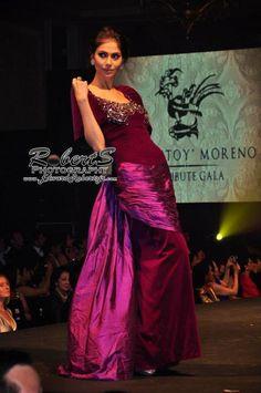 pitoy moreno - Google Search Filipiniana Wedding, Filipiniana Dress, Classic Fashion, Classic Style, Maria Clara, Grammar, Women's Clothing, Gowns, Couture