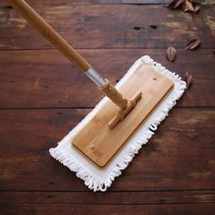 low waste cleaning The beginning of art bamboo MOP plate rotary MOP household wood flooring mop Drag the ground artifact Telescopic extension mop Limpieza Natural, Genius Ideas, Clean Living, Natural Cleaning Products, Sustainable Living, Natural Living, Zero Waste, Homemaking, Cleaning Hacks