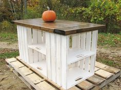 Kitchen Island or table, made from upcycled recycled wooden crates. Nice idea for a craft room. LOVE this!!! Now if someone could only tell me where the hey diddle diddle to get wooden crates and pallets cheap, I'd be set! lol