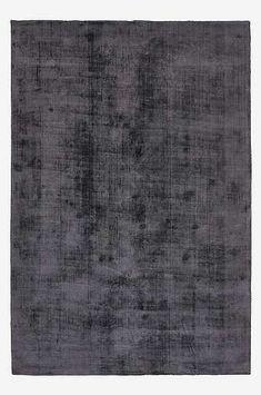 Vi elsker tepper, både ute og inne! Et teppe tilfører ikke bare skjønnhet til rommet, men er også lyddempende og gjør gulvet herlig å gå på. Teppet gjør raskt et kaldt gulv innbydende og koselig. Handle trygt på jotex.no. Plastic Carpet Runner, Haikou, Flooring Near Me, Carpet Stores, Designer Wallpaper, Rugs On Carpet, Carpets, Texture, Home Decor