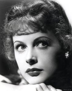 Greta Garbo, Phyllis Brooks, Hedy Lamarr, Marisa Berenson, Marilyn Monroe, Joan Crawford, Sharon Tate, Carole Lombard, Audrey Hepburn, Romy ...