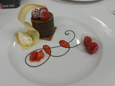Plating dessert | Cakes and Plates | Pinterest