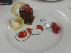 Plating dessert | Cakes and Plates | Pinterest