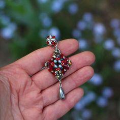 Red Earrings or Burgundy? 😉 Big Ivent earrings! 💎